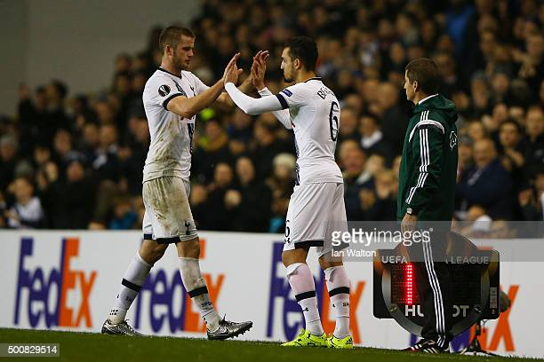 Nabil Bentaleb of Spurs conmes on as a substitute for the injured Eric Dier of Spurs during the UEFA Europa League Group J match between Tottenham...