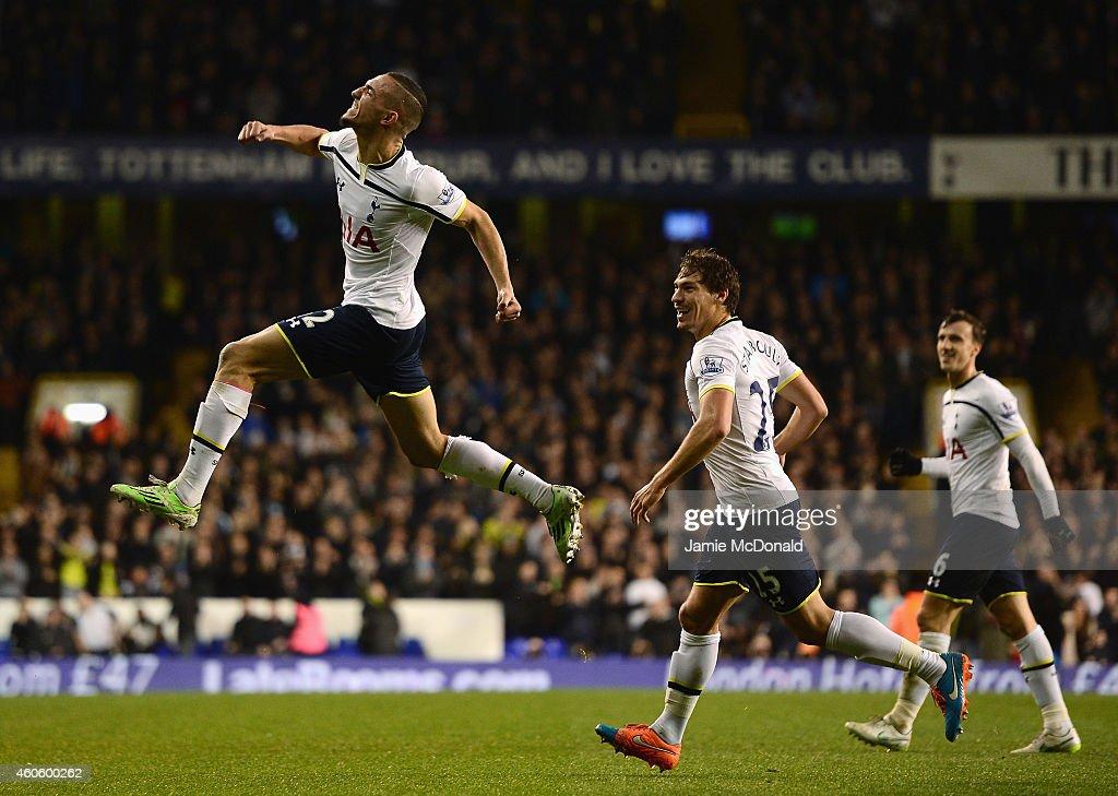 Tottenham Hotspur v Newcastle United - Capital One Cup Quarter-Final : News Photo