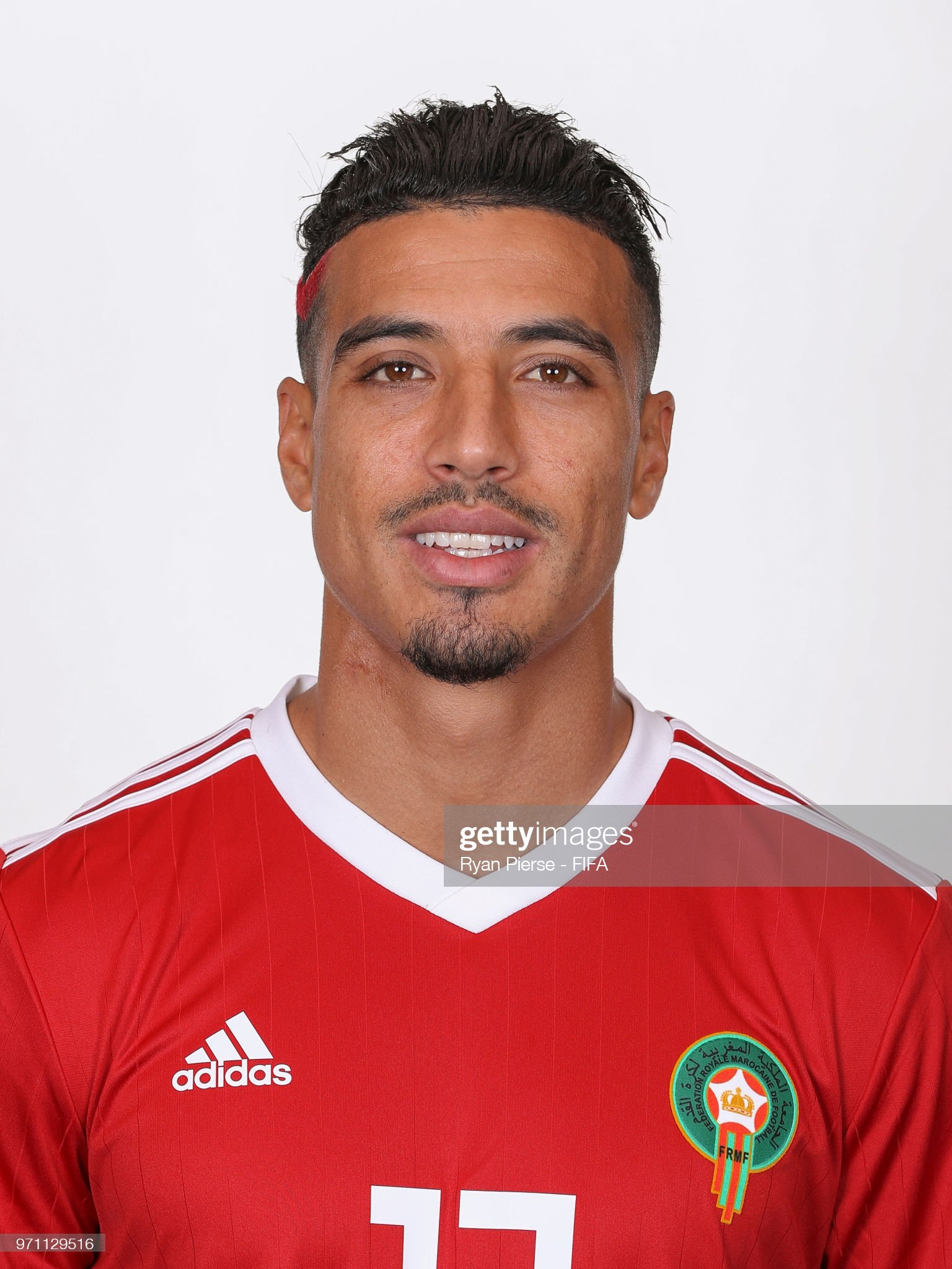 Norteafricanos Nabil-dirar-of-morocco-poses-during-the-official-fifa-world-cup-2018-picture-id971129516?s=2048x2048