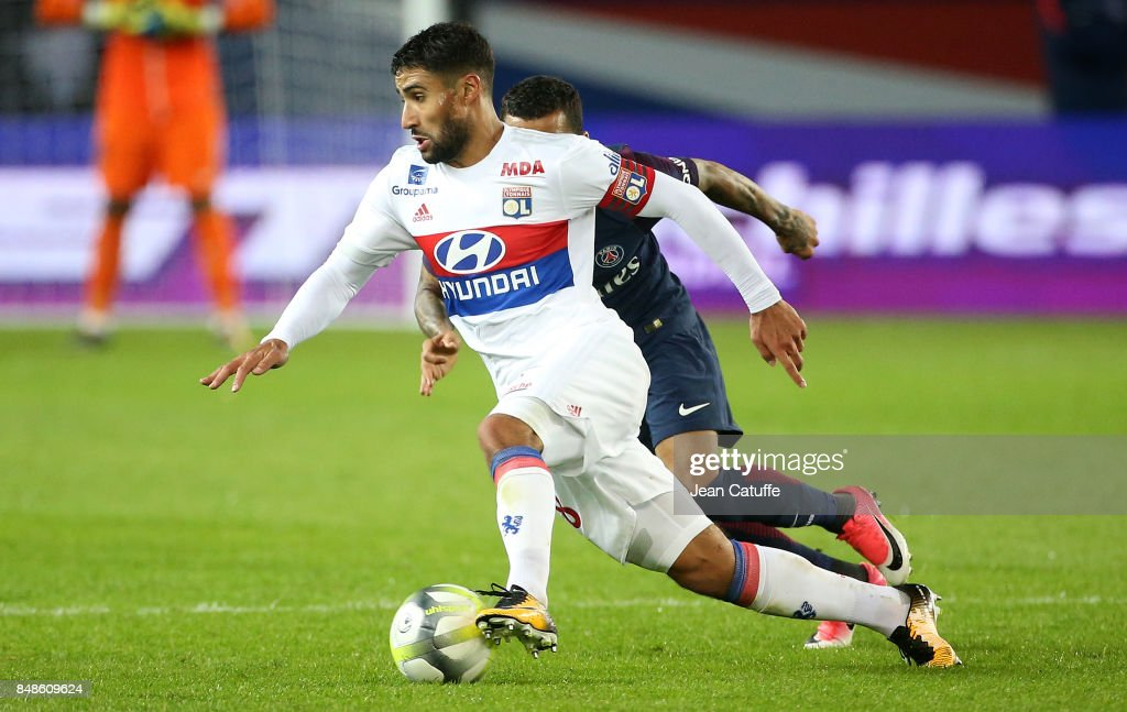 Paris Saint Germain v Olympique Lyonnais - Ligue 1 : Fotografía de noticias