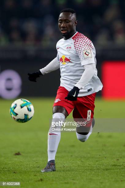 Naby Keita of Leipzig runs with the ball during the Bundesliga match between Borussia Moenchengladbach and RB Leipzig at BorussiaPark on February 3...