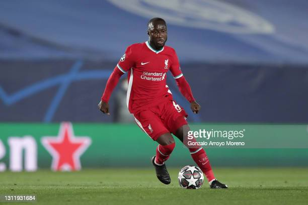 Naby Keita of Liverpool FC controls the ball during the UEFA Champions League Quarter Final match between Real Madrid and Liverpool FC at Estadio...