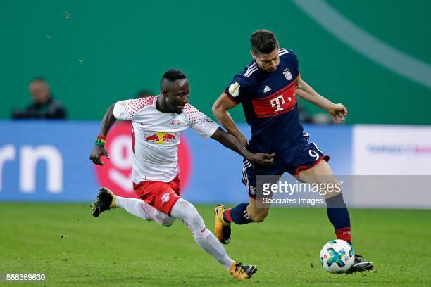 Naby Keita of RB Leipzig Robert Lewandowski of FC Bayern Munchen during the German DFB Pokal match between RB Leipzig v Bayern Munchen at the Red...