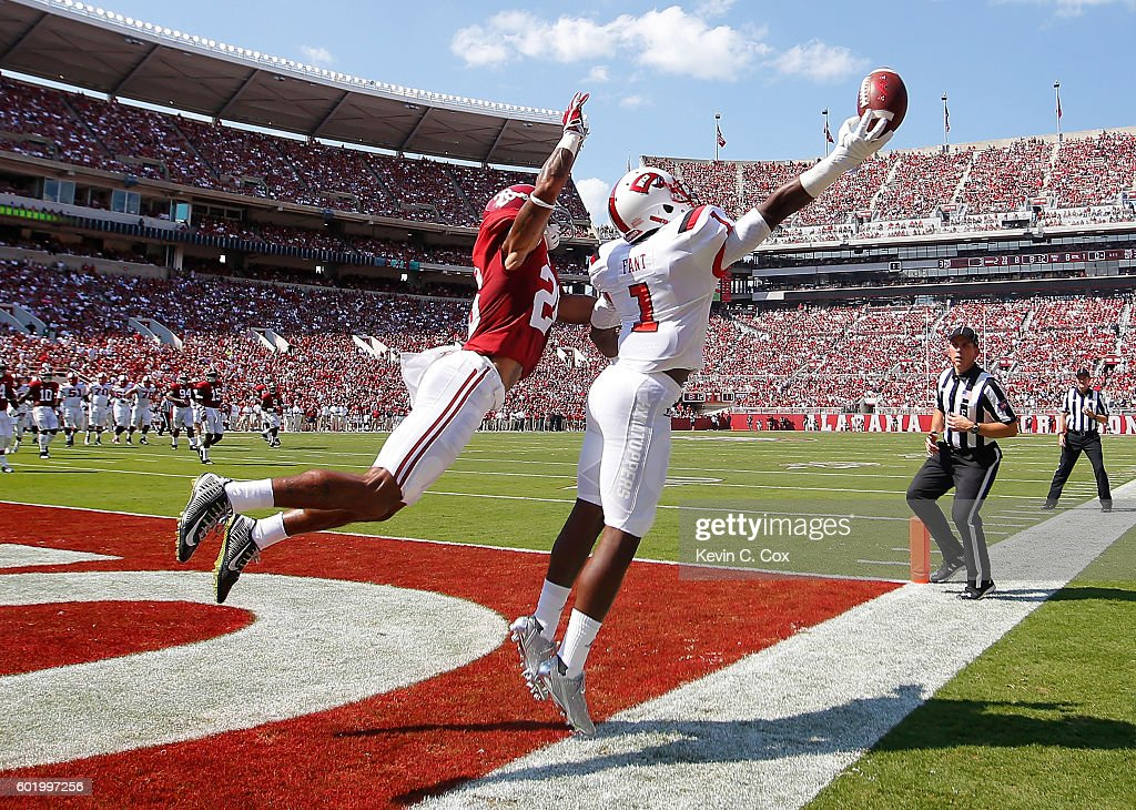 Nacarius Fant #1 of the Western Kentucky Hilltoppers fails to pull in this touchdown reception against Anthony Averett #28 of the Alabama Crimson Tide at Bryant-Denny Stadium on September 10, 2016 in Tuscaloosa, Alabama.