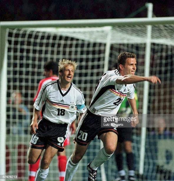 Nach dem 1:0: Juergen KLINSMANN, Oliver BIERHOFF/GER