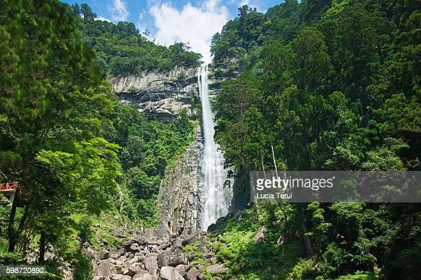 nachi falls, wakayama prefecture, japan - präfektur wakayama stock-fotos und bilder