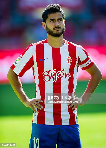 ¿Cuánto mide Nacho Cases? Nacho-cases-of-real-sporting-de-gijon-looks-on-prior-to-the-start-the-picture-id602348348?s=612x612