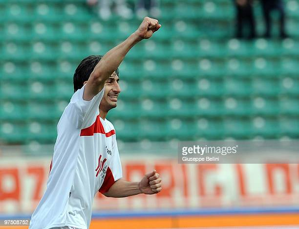 Nacho Castillo of Bari celebrates after scoring the opening goal of the Serie A match between AS Bari and AC Chievo Verona at Stadio San Nicola on...