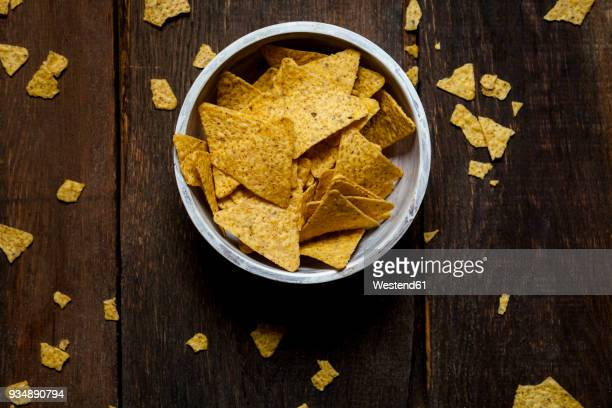 nacho chips in a bowl - ナチョス ストックフォトと画像