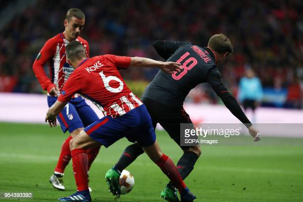 METROPOLITANO MADRID SPAIN Nacho Monreal competes for the ball with Saúl Ñíguez during the UEFA Europa League Semi Final Second Leg match between...