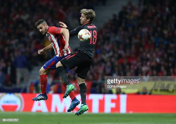 METROPOLITANO MADRID SPAIN Nacho Monreal competes for the ball with Saul Niguez during the UEFA Europa League Semi Final Second Leg match between...