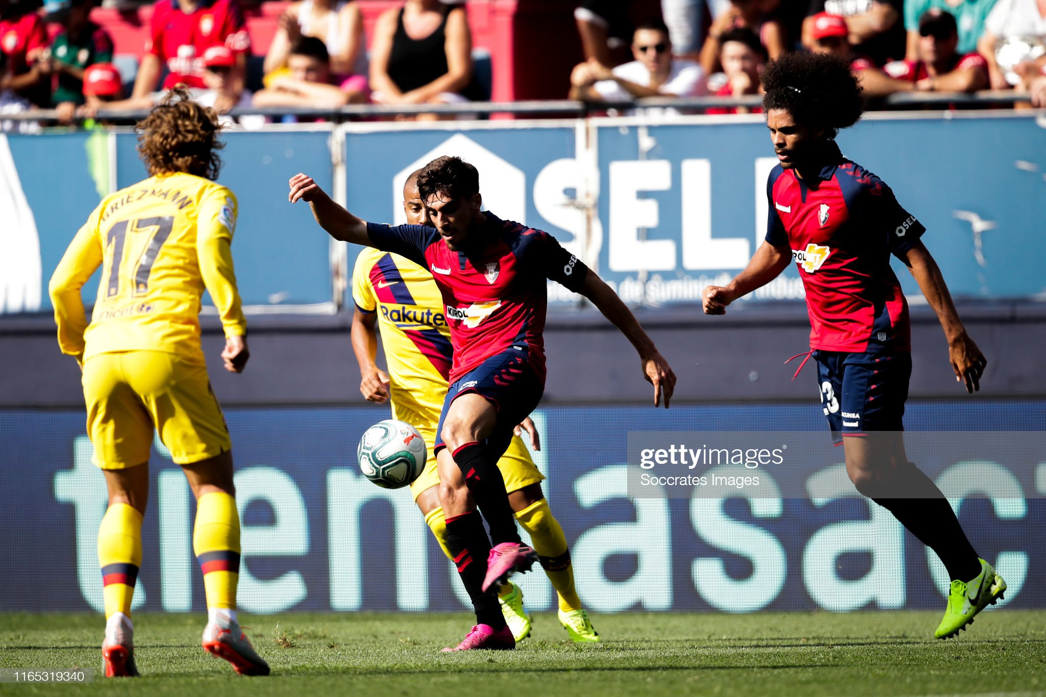 صور مباراة : أوساسونا - برشلونة 2-2 ( 31-08-2019 )  Nacho-vidal-of-ca-osasuna-during-the-la-liga-santander-match-between-picture-id1165319340?s=2048x2048