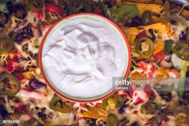 Nachos tortillachips met Salsa, gehakt vlees en Jalapenos