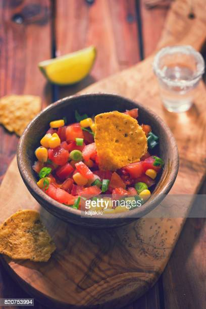 Nachos met zelfgemaakte sauzen