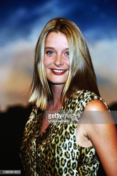 Nachtshow, Late-Night-Talkshow, Deutschland 1994 - 1995, Sendung vom 4. Oktober 1995, Gaststar: Schauspielerin Jessika Cardinahl.