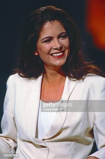 Nachtshow, Late-Night-Talkshow, Deutschland 1994 - 1995, Talkgast: Moderatorin und Schauspielerin Maxi Biewer.