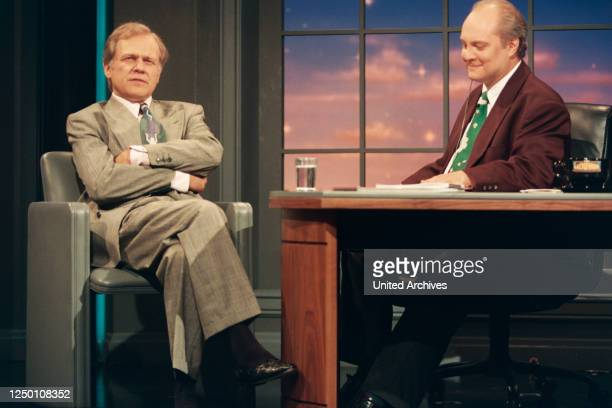 """Nachtshow mit Thomas Koschwitz - Der Moderator Thomas Koschwitz mit seinem Gast """"Dallas""""-Star Ken Kercheval ."""