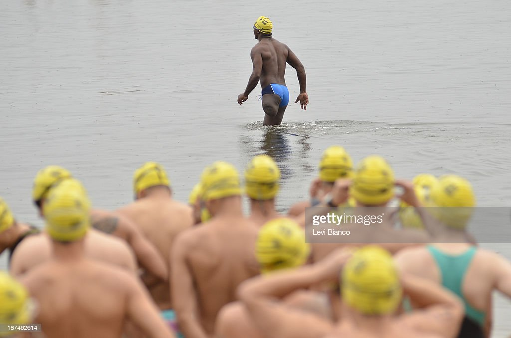 Amputee Swimmer : News Photo