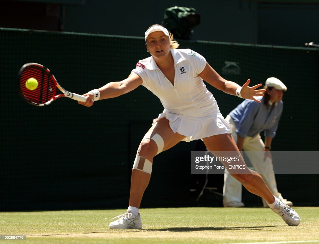 Tennis - Wimbledon Championships 2008 - Day Eight - The All England Club : News Photo