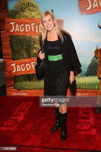 """Nadine Krüger In Germany at Premiere Of """"Open Season"""" in Cinestar Sony Center in Berlin."""