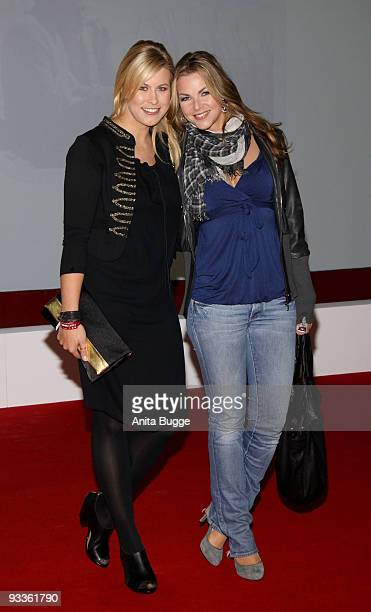 Nadine Krueger and guest attend the premiere of 'Zweiohrkueken' at the Sony Center CineStar on November 24 2009 in Berlin Germany