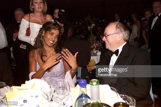 Nadja Abd El Farrag Mit Manager Gerd Graf Bernadotte Beim 'Ball Der Sterne' In Mannheim Am 201001