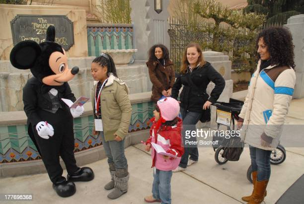 Nadja Benaissa Tochter Leila Jamila Jessica Wahls Tochter Cheyenne Jessica Kindermädchen Mickey Mouse neue Attraktion The Hollywood Tower Hotel...