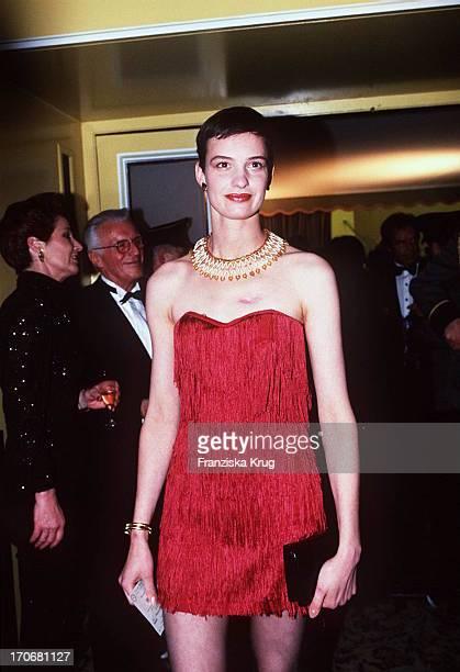 Nadja Brunckhorst Im Roten Mini Kleid Beim Deutschen Filmball 1995