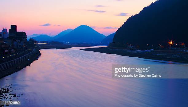nagara river, winter morning - 岐阜県 ストックフォトと画像