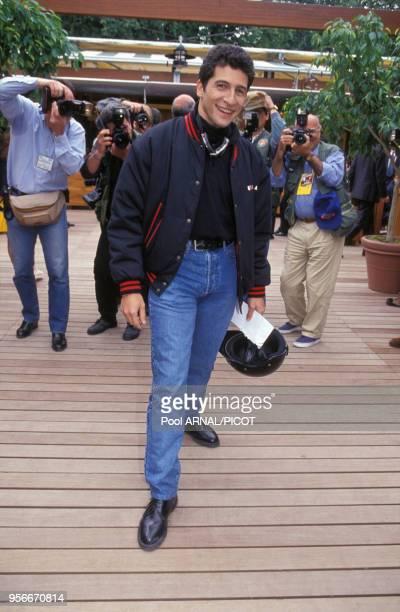 Nagui au tournoi de tennis de Roland Garros en mai 1994 Paris France