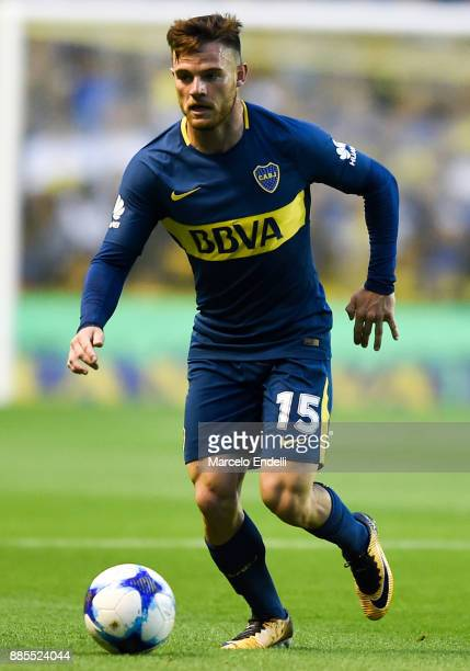 Nahitan Nandez of Boca Juniors drives the ball during a match between Boca Juniors and Arsenal as part of the Superliga 2017/18 at Alberto J Armando...