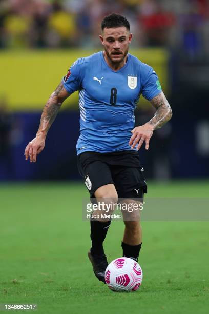 Nahitan Nandez of Uruguay controls the ball during a match between Brazil and Uruguay as part of South American Qualifiers for Qatar 2022 at Arena...