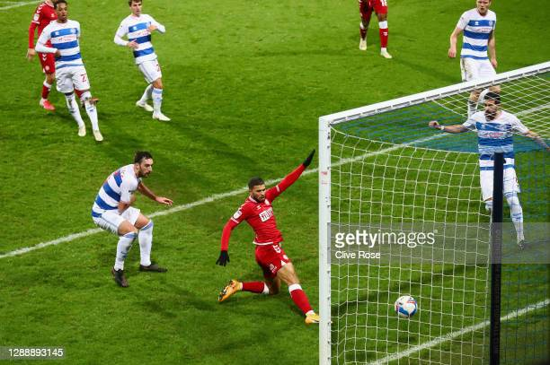 Nahki Wells of Bristol City scores their team's first goal during the Sky Bet Championship match between Queens Park Rangers and Bristol City at The...