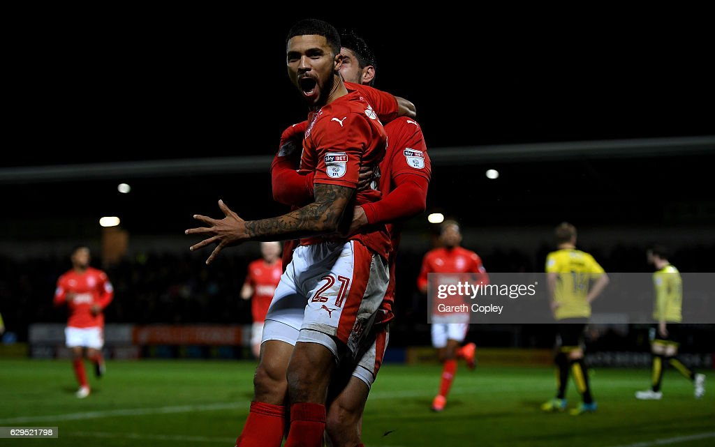 Nahki Wells of Huddersfield celebrates scoring the opening goal during the Sky Bet Championship match between Burton Albion and Huddersfield Town at Pirelli Stadium on December 13, 2016 in Burton-upon-Trent, England.