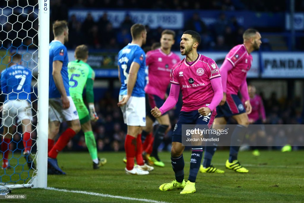 Portsmouth v Queens Park Rangers - FA Cup Fourth Round : News Photo