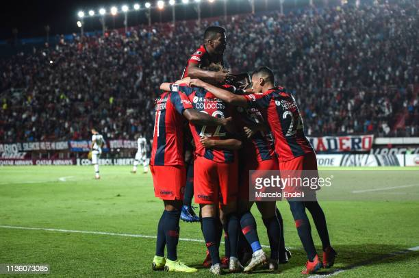 Nahuel Barrios of San Lorenzo celebrates with teammates after scoring the second goal of his team during a group F match between San Lorenzo and...