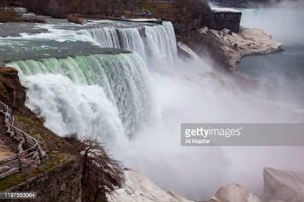 naigara falls in winter - niagara falls stock pictures, royalty-free photos & images