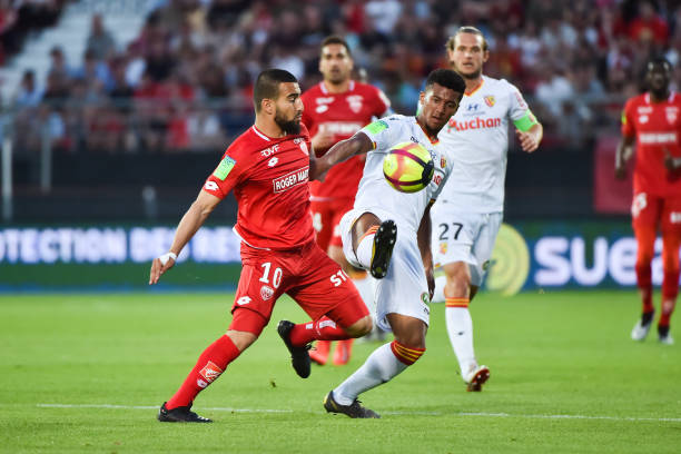 Championnat de France de football LIGUE 1 2018-2019-2020 - Page 24 Naim-sliti-of-dijon-and-mounir-chouiar-of-lens-during-the-ligue-1-picture-id1147644577?k=6&m=1147644577&s=612x612&w=0&h=_mS_MnRhC7AUNWjWzIsZh_m3OaXIVyIydc4x4VNOdkA=