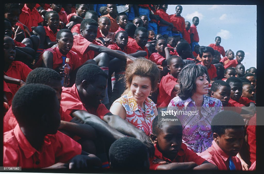 Princess Anne Conversing in Group of Young Kenyans : News Photo