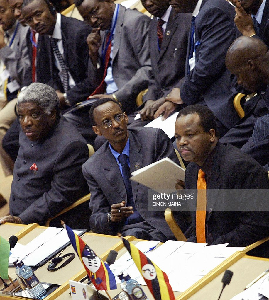 Regional heads of states (L-R) Zambia's Levy Mwanawasa, Rwanda's Paul Kagame and King Mswati of Swaziland attend the 12th two-day summit of the Common Market for Eastern and Southern Africa (COMESA) 23 May 2007 at UN headquarters in Nairobi. The heads of state and government are due to approve important steps toward customs union, set to be launched next year, after their trade ministers last week agreed on a common external tariff deal.
