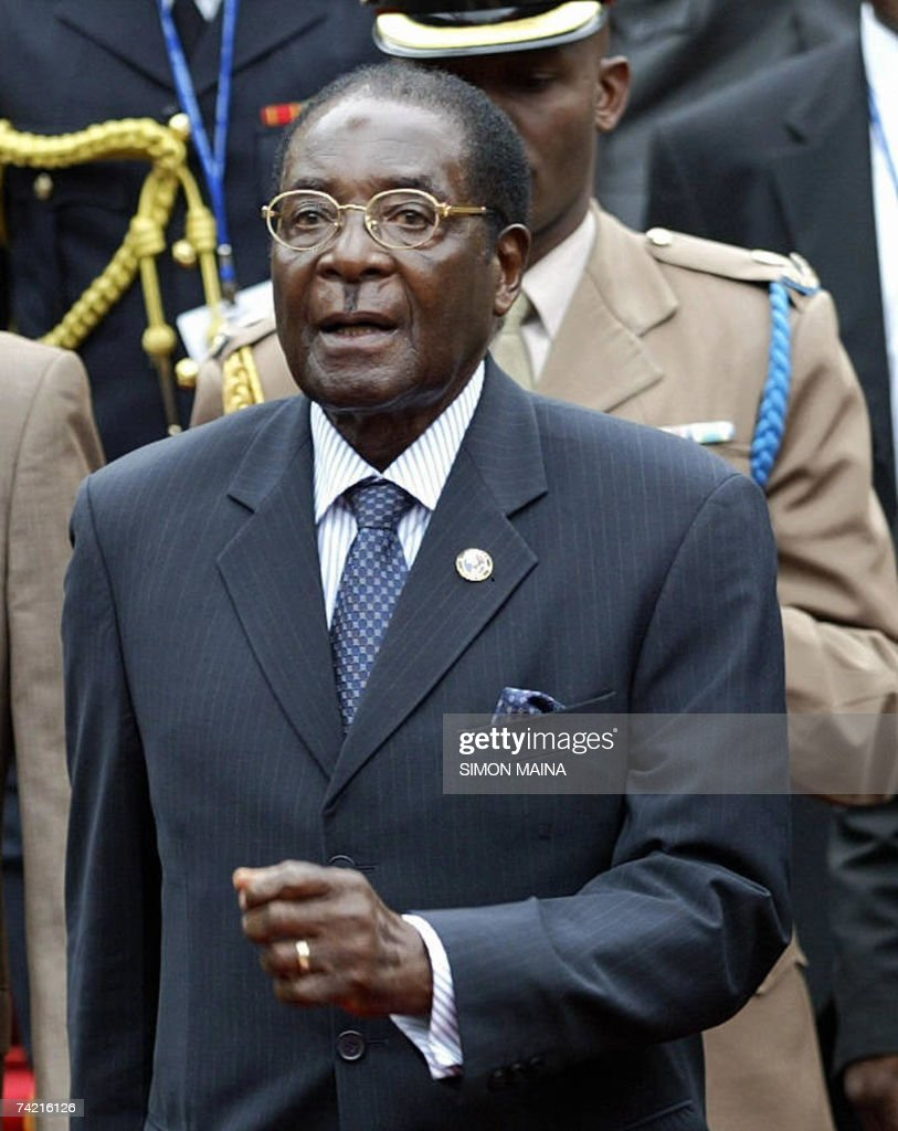Zimbabwean President Robert Mugabe arrives 22 May 2007 to attend the 12th two-day summit of the Common Market for Eastern and Southern Africa (COMESA) at UN headquarters in Nairobi. The heads of state and government are due to approve important steps toward customs union, set to be launched next year, after their trade ministers last week agreed on a common external tariff deal.