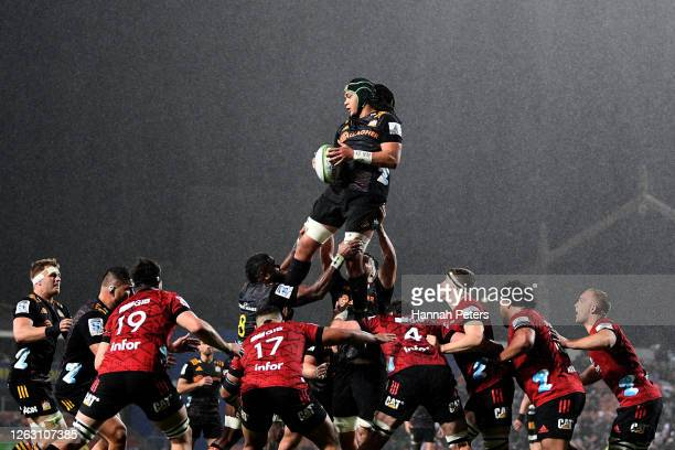 Naitoa Ah Kuoi of the Chiefs wins lineout ball during the round 8 Super Rugby Aotearoa match between the Chiefs and the Crusaders at FMG Stadium...