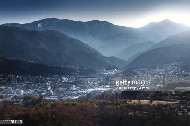 nakatsugawa city daytime mountain view - 岐阜県 ストックフォトと画像