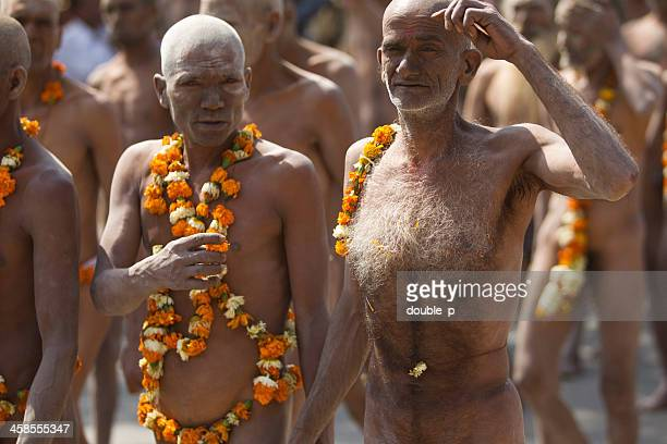 Nudo holymen nel 2010 Festa di Kumbh Mela funebre