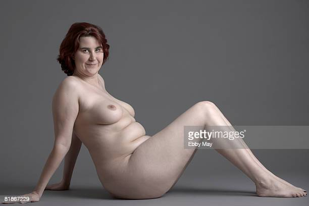naked woman - chubby stockfoto's en -beelden