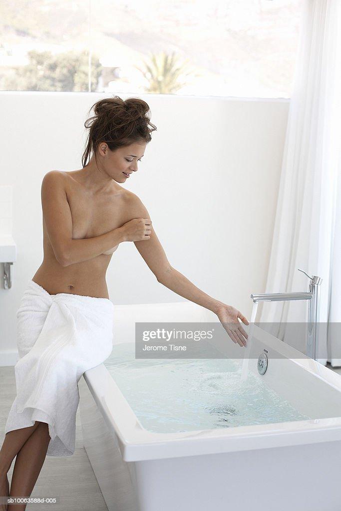 Xnxx Sexy nackte Frauen in der Badewanne girl dildoing palyn