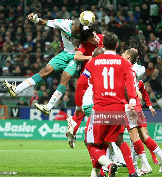 Naldo of Bremen scores the 2nd goal during the Bundesliga match between Werder Bremen and 1.FC Koeln at the Weser stadium on November 16, 2008 in...