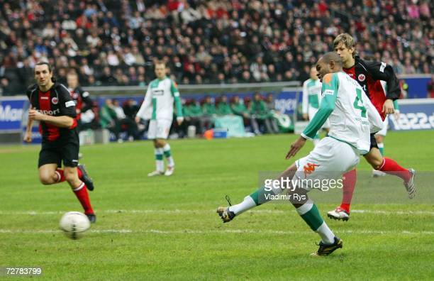 Naldo of Bremen scores the first goal during the Bundesliga match between Eintracht Frankfurt and Werder Bremen at the Commerzbank stadium on...
