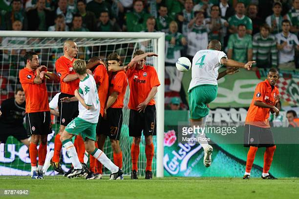 Naldo of Werder Bremen scores his team's first goal during the UEFA Cup Final between Shakhtar Donetsk and Werder Bremen at the Sukru Saracoglu...