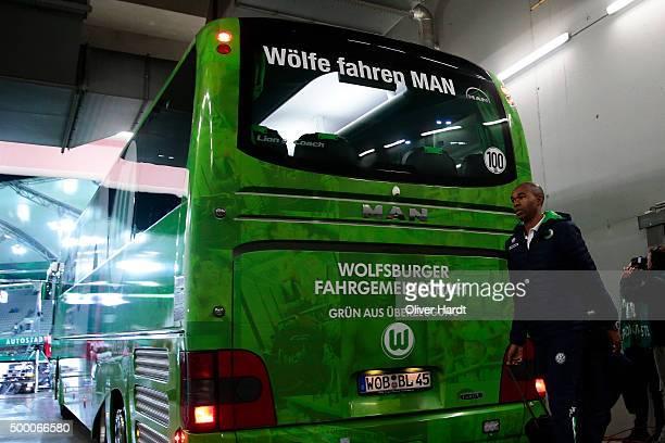 Naldo of Wolfsburg arrival to the First Bundesliga match at between VfL Wolfsburg and Borussia Dortmund at Volkswagen Arena on December 5 2015 in...